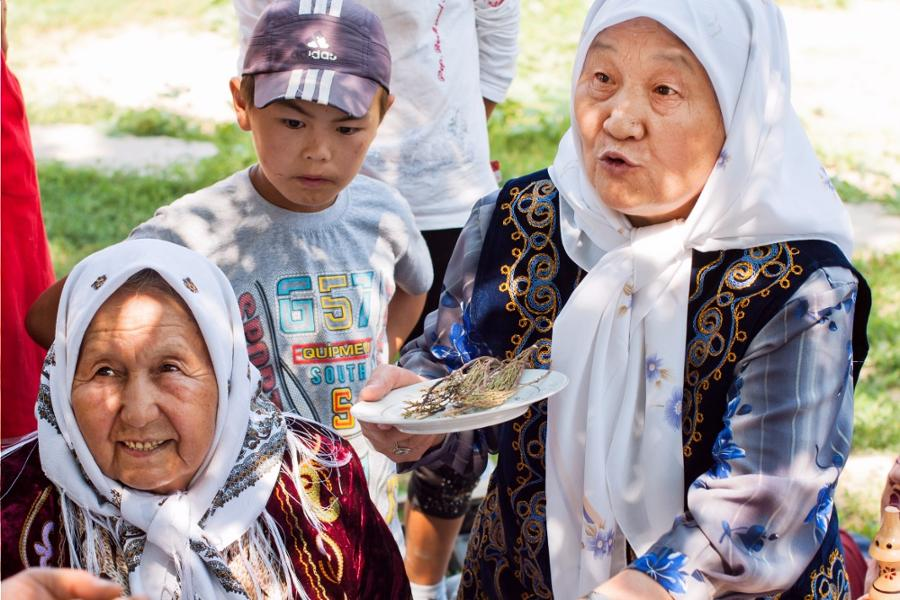 The customs and traditions related to birth in Kyrgyzstan